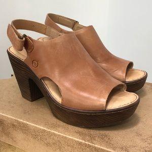 Born Ferlin Brown Peep Toe Sandal Sz 8.0
